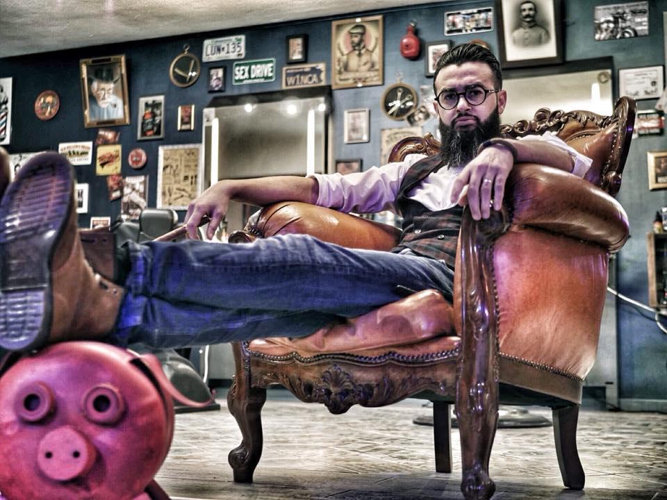 Jabrane du barbershop Homme Pur a Cuers : ambassadeur reuzel